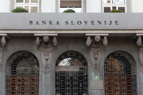 Do konca februarja skoraj 29.000 vlog za odlog obveznosti kreditojemalcev in za 70 mio evrov odobrenih posojil z jamstvom države